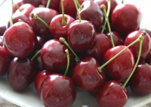 The useful properties of cherries and contraindications