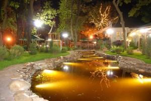 Как самостоятельно, своими руками, провести освещение для фонтана, пруда или бассейна. Фото и пошаговая инструкция.