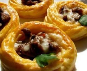 Вкусный рецепт, грибы в картофельных корзинах, кулинарная блюдо к новогоднему столу 2015.