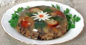 Вкусный рецепт приготовления холодца с белыми лесными грибами к праздничному столу.