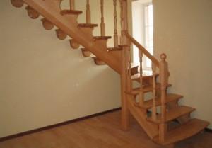 Фигурная лестница из дерева для дачи. Как правильно сделать деревянную лестницу своими руками