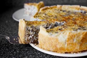 Рецепт, домашний, вкусный пирог с грибами к новогоднему и праздничного стола 2015.