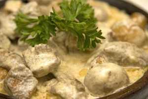 Гриби під смачним, домашнім соусом. Рецепт приготування страв з грибів до новорічного столу 2015 рік.