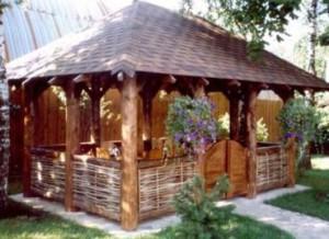 Види дачних альтанок фото. Альтанки для ландшафтного дизайну садової ділянки. Пергола для дачі.